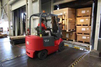 Spedizioni Pallet: Trasporto merci ADR